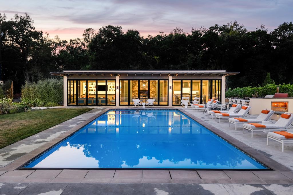 nite poolhouse2